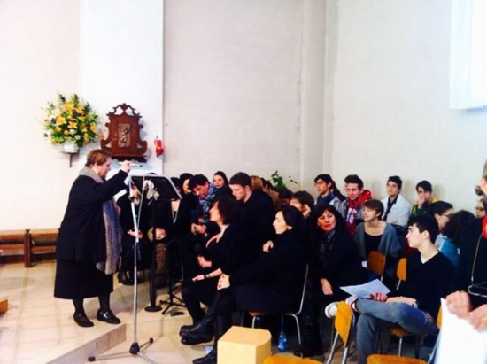 faith gospel choir canta alla messa