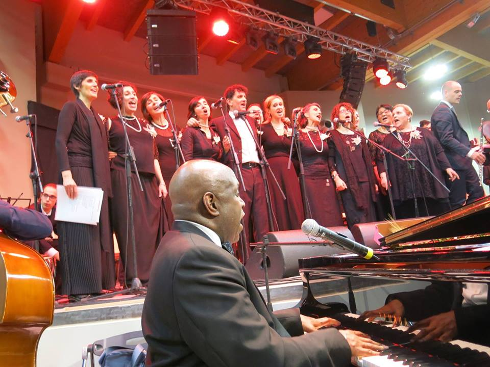 Faith Gospel Choir e Nehemiah Brown